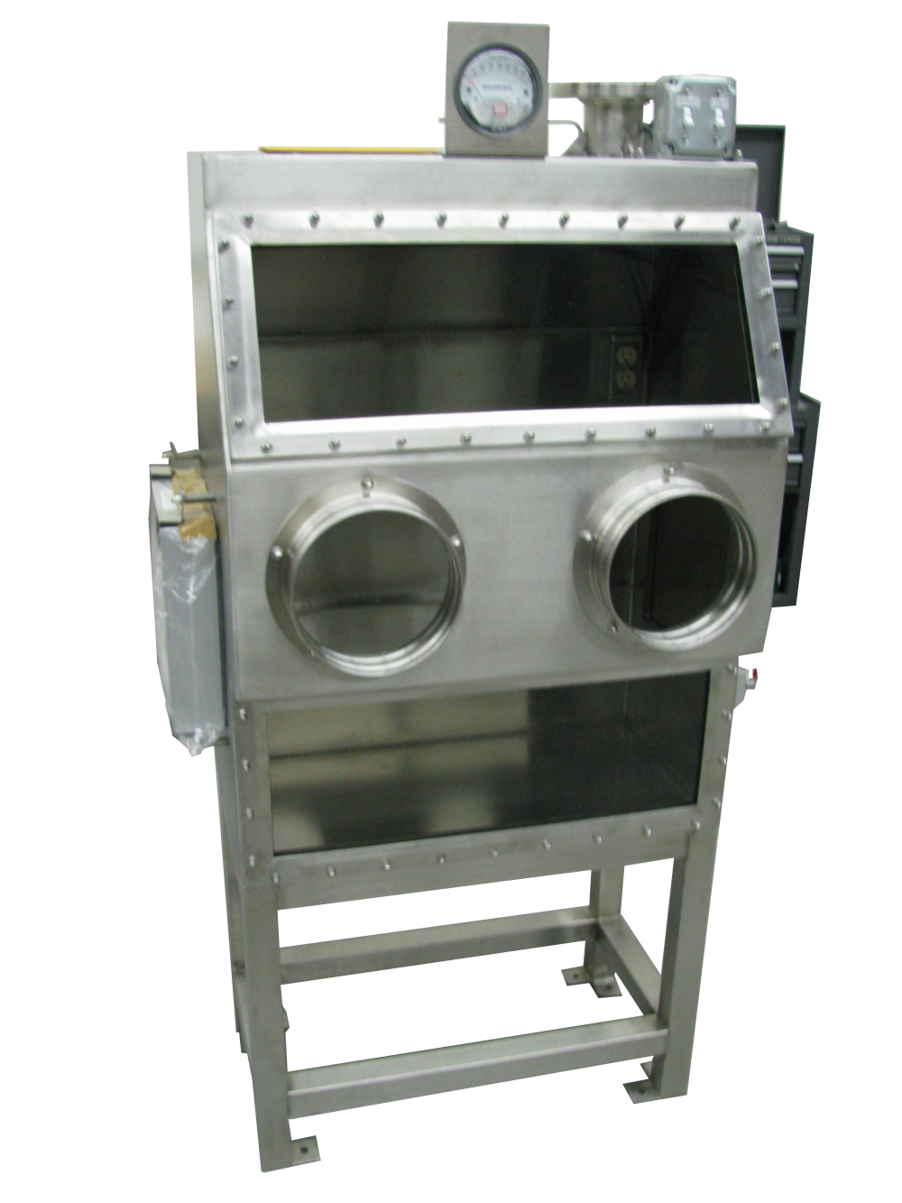 Containment Glovebox